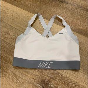 Nike sports bra w/ pads